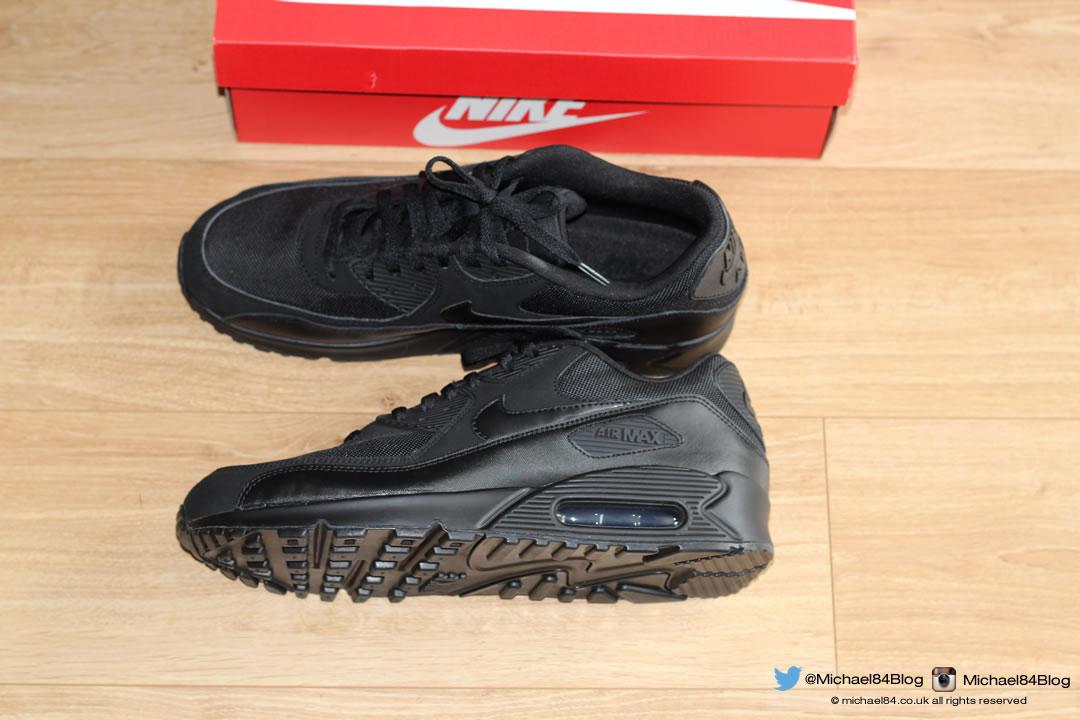 online store 76b11 bbc3d Nike Air Max 90 - All Black, Super Stylish, Minimal | Michael 84