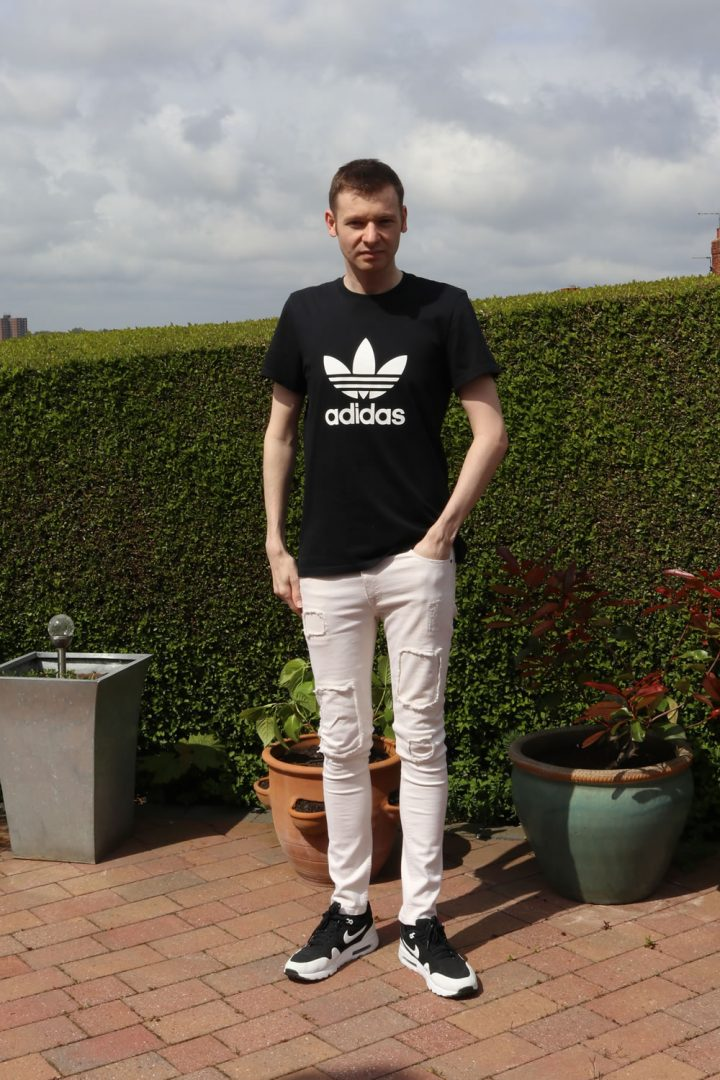 Style Of The Week - Cream denim and black tee