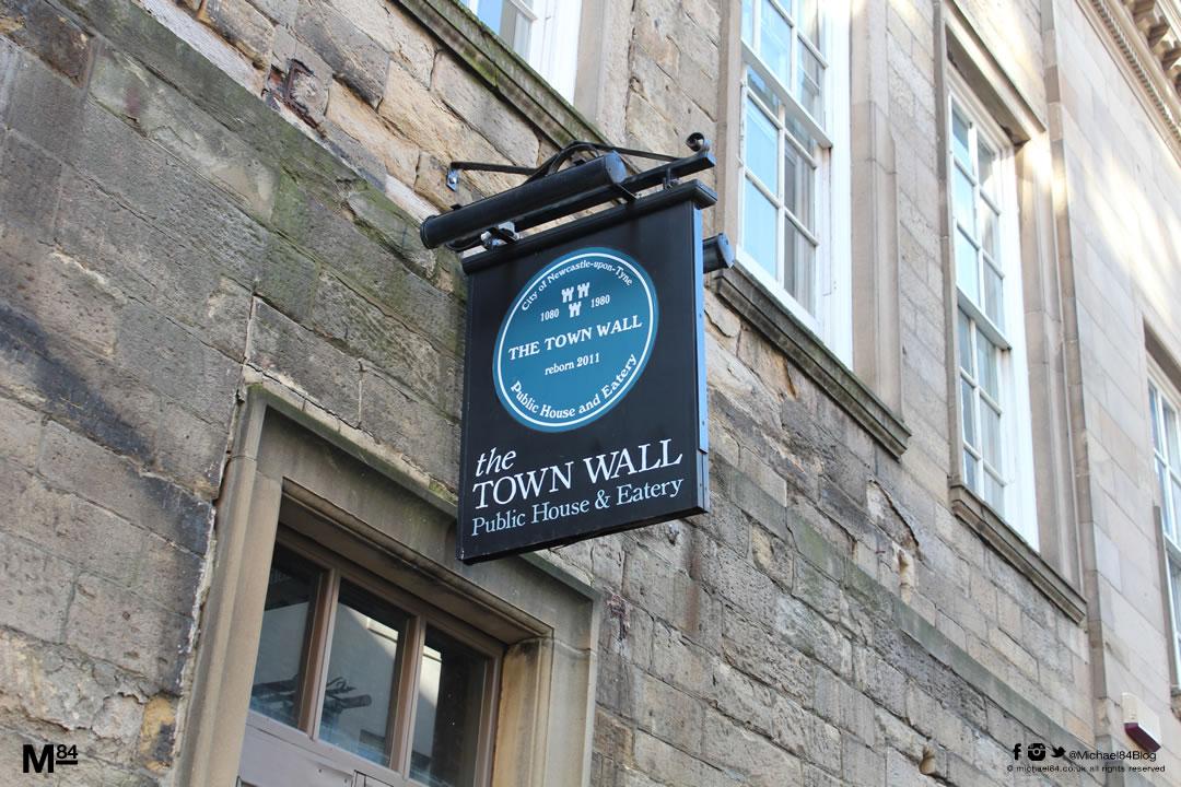 town-wall-bar-newcastle