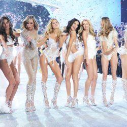 Victoria's Secret Fashion Show 2016 Goes To Paris