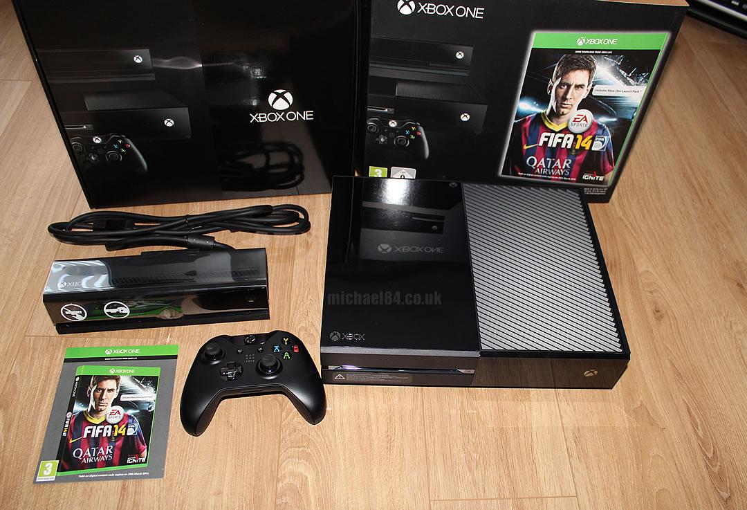 Xbox One Forza Horizon 4 Bundle 1TB  Microsoft